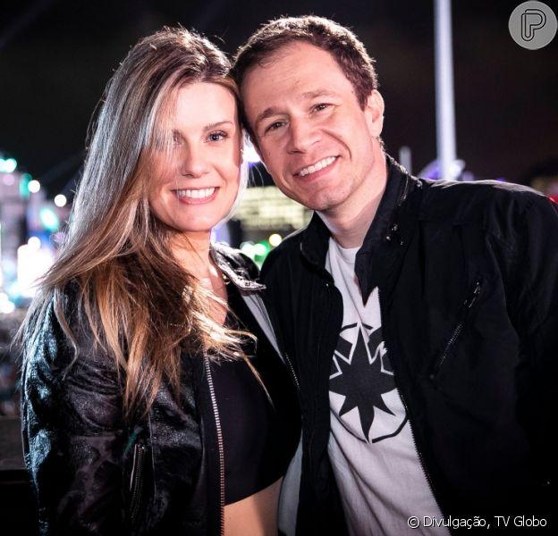 Tiago Leifert deixará gravação do 'The Voice Brasil' no meio para acompanhar parto da mulher, Daiana Garbin