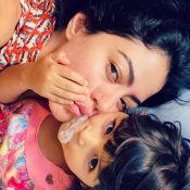 Carol Castro pede empatia ao liberar chupeta para filha de 3 anos: 'Lhe dá conforto'