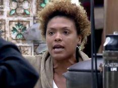 'A Fazenda 12': Lidi Lisboa briga com MC Mirella após punição. 'Garota mimada'
