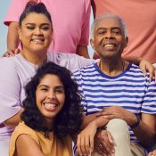 Natal comfy! Bela Gil planeja festa em família e aponta sobre moda: 'Fã de cores e estampas'