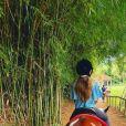 Grazi Massafera fotografa a filha, Sofia, em cavalo