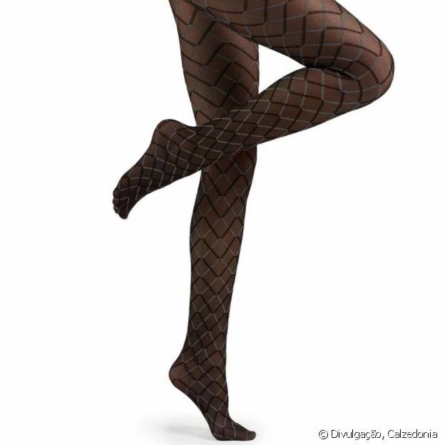 Meia-calça com estampa de losango para a produção de Natal