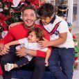 Filho de Wesley Safadão e Mileide Mihaile repete roupa em fotos de Natal e web critica, em 2 de dezembro de 2020