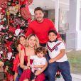 Yhudi, filho de Wesley Safadão, usou a mesma roupa no Natal de 2019 e 2020