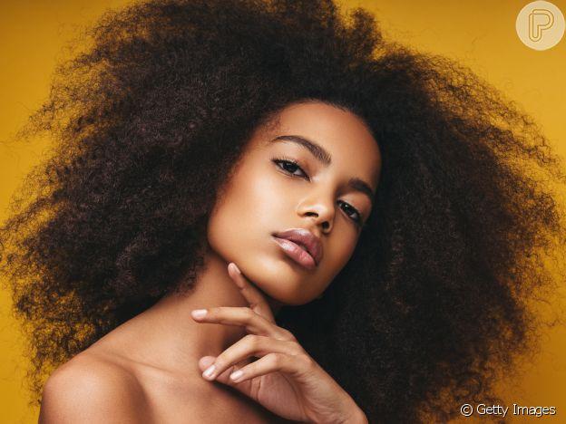 Maquiagem com pele glow segue como tendência em 2021