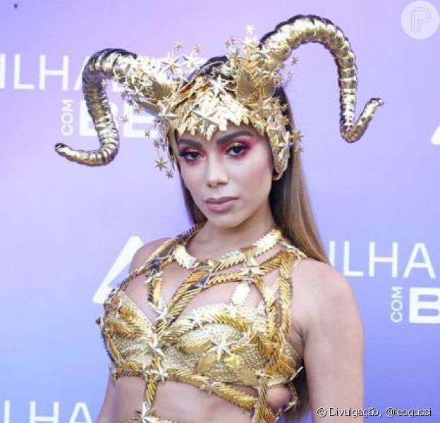 Anitta aposta em fantasia inspirada no signo de Áries para bloco no reality show 'Ilhados com Beats', em 14 de fevereiro de 2021