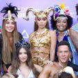 Anitta posa com elenco do reality show 'Ilhados com Beats'