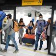 Isis Valverde e família voltaram ao Rio de Janeiro após dias de férias em Noronha