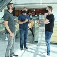 'BBB 21' em pauta? Tiago Leifert, Boninho e diretor Rodrigo Dourado vão juntos ao shopping