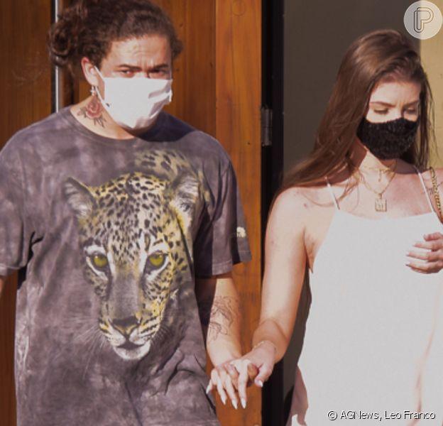 Noiva de Whindersson Nunes, Maria Lina vai à clínica obstétrica com o comediante. Fotos!