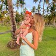 Mulher de Kaká e mãe de Esther, Carol Dias planeja engravidar novamente