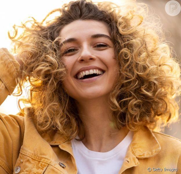 Qual é o seu tipo de cabelo? Veja dicas de produtos e cuidados