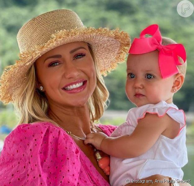 Ana Paula Siebert combina look de grife, avaliado em mais de R$ 10 mil, com filha caçula de Roberto Justus