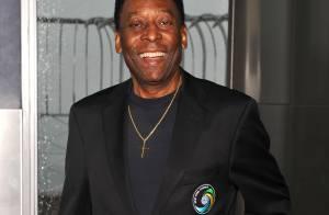 Pelé recebe alta do hospital em SP após cirurgia para retirada de cálculo renal