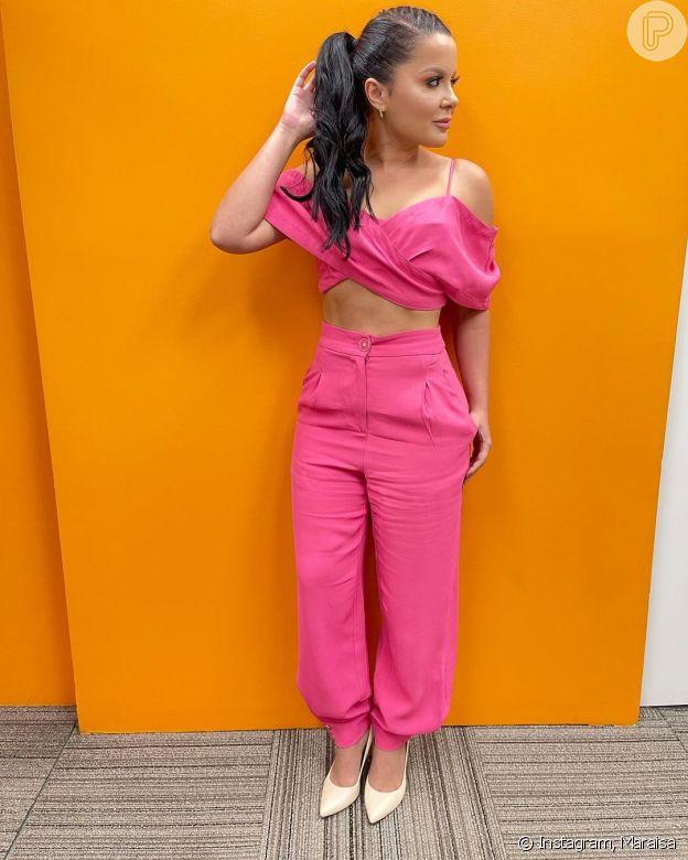 Maraisa valoriza corpo definido em conjunto cor de rosa: 'Sou sua Penélope Charmosa'