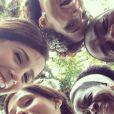 Marjorie Estiano, Camila Pitanga, Lázaro Ramos, Zezeh Barbosa e Priscila Sol comemoram o fim da novela das seis 'Lado a Lado'