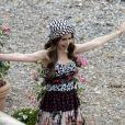 Na série 'Emily in Paris', os looks da protagonista chamam mais atenção do que a make