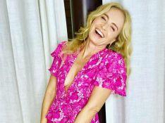 Angélica posta selfie 'descabelada' e beleza encanta Sandy e mais famosas: 'Maravilhosa'