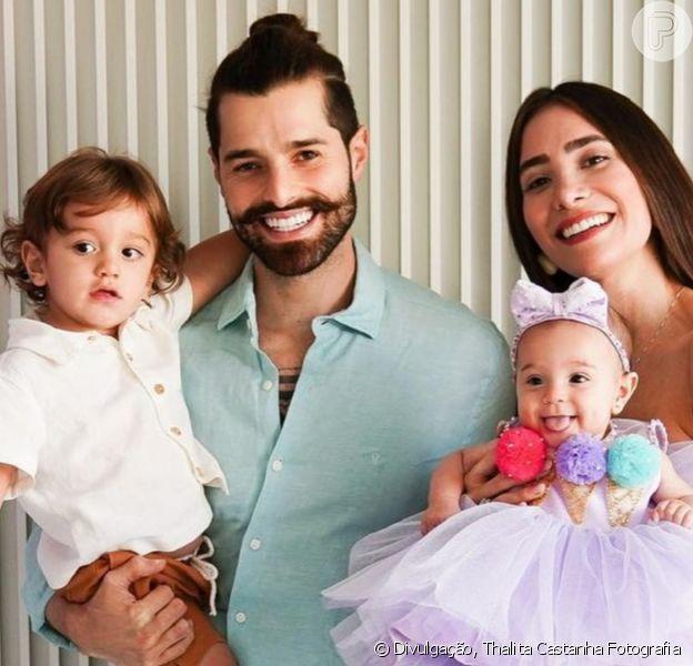 Alok reuniu mulher, Romana Novais, e filhos, Ravi e Raika, em foto para se declarar à família: 'Mundo ficou melhor desde que vocês chegaram'