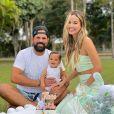 Biah Rodrigues e Sorocaba já são pais de Theo, de 1 ano
