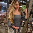 Bárbara Evans chamou atenção ao exibir barriga em fotos: ' Parece que está grávida'