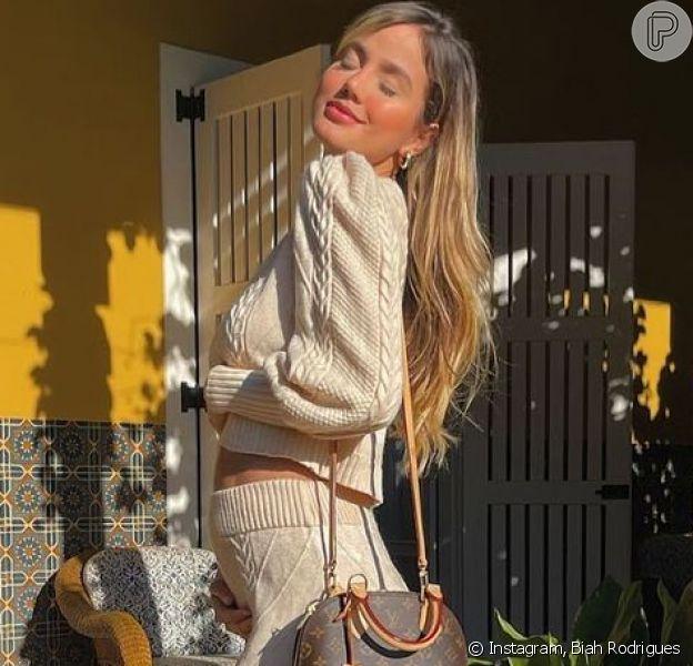 Biah Rodrigues exibe barriga de cinco meses da filha no Instagram