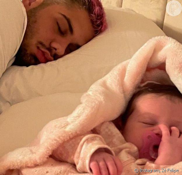 Zé Felipe costuma mostrar Maria Alice dormindo nas redes sociais