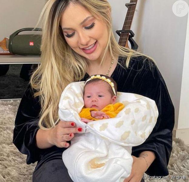 Maria Alice roubou a cena ao surgir de olhos abertos no Instagram da mãe, a influencer Virgínia Fonseca