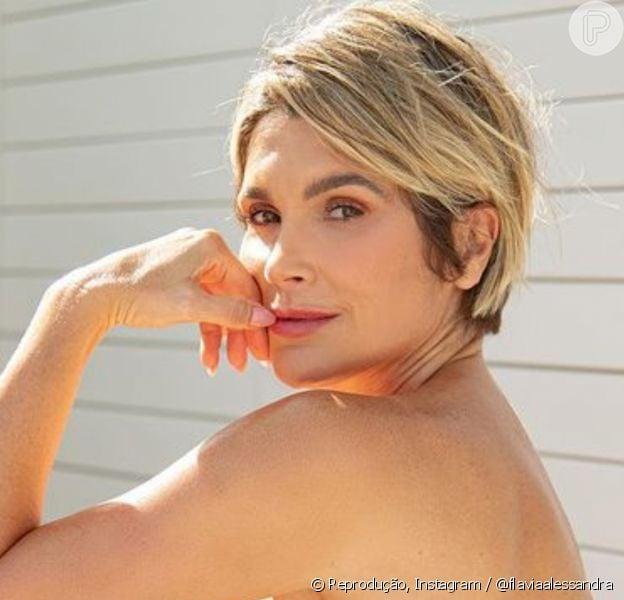 Flávia Alessandra arranca elogios de internautas ao surgir nua em foto no Instagram