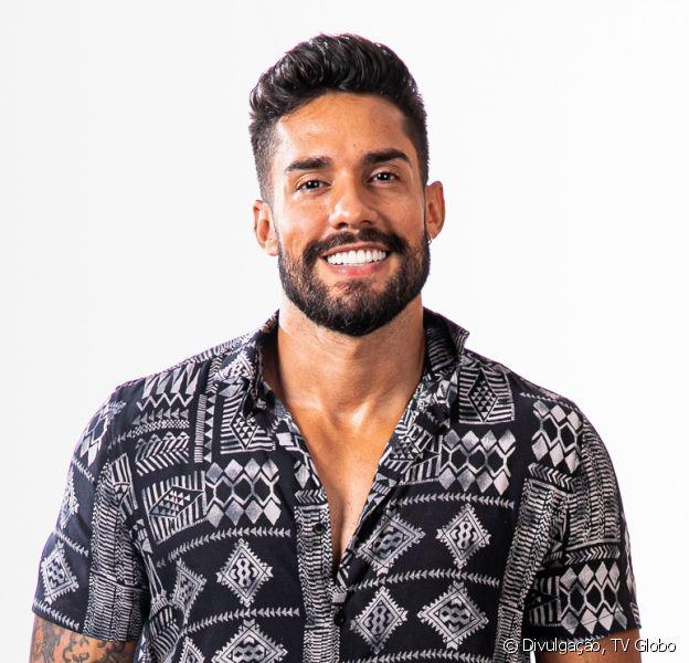 'A Fazenda 2021': Arcrebiano trocou talent show do SBT pelo reality por conta do cachê, diz o colunista Leo Dias