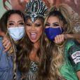 Darlin Ferrattry posou com a filha Lexa e Rafaella Santos em  festa na quadra da Império Serrano, da qual é rainha de bateria