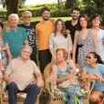 Glória Menezes  e Tarcísio Meira ao lado da família em foto postada pela nora Mocita Fagundes