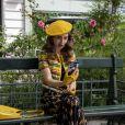 Looks de 'Emily in Paris 2' são repletos de grifes