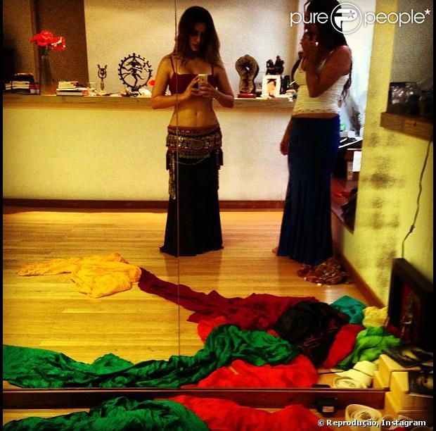 Cleo Pires, intérprete da Bianca de 'Salve Jorge,  publica em seu perfil no Instagram foto de mais um ensaio de dança, onde usa figurino inspirado nas dançarin
