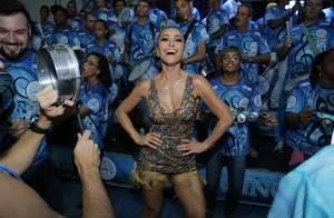 Sabrina Sato samba em ensaio da Vila Isabel com vestido decotado e com franjas