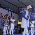 Carlinhos Brown é coroado Rei da Percussão da Portela