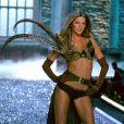 Gisele Bündchen foi Angel da Victoria's Secret por 8 anos. A modelo desfilou pela primeira vez no Victoria's Secret Fashion Show em 1999 e terminou
