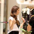 Giovanna Antonelli entra em loja de shopping da zona sul do Rio