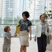 Fernanda Torres passeia com a mãe, Fernanda Montenegro, e o filho em shopping