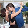 Carol Castro diz manter a forma com aulas de dança particulares com o marido, Raphael Sander
