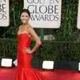 O vestido vermelho sem alças da grife Reem Acra que foi usado por Eva Longoria na premiação de 2009 deixou as fãs babando