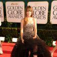 Olivia Wilde apostou em vestido Marchesa com aplicação de pedraria no Globo de Ouro 2011