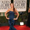 Sofia Vergara ficou com um corpo escultural ao escolher um modelo da estilista Vera Wang para desfilar no tapete vermelho do Globo de Ouro 2012