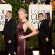 O vestido estilo sereia de Taylor Swift, assinado pela estilista Donna Karan, foi um dos mais bonitos do Globo de Ouro 2013