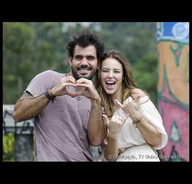 Juliano Cazarré e Paolla Oliveira se divertem nas gravações de 'Amor à Vida', próxima novela das nove da Globo, em 28 de março de 2013