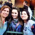 Sandy tira foto com fãs em Orlando, Estados Unidos, e ganha elogio: 'Sempre simpática com brasileiros'