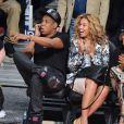 Beyoncé e Jay-Z assistem a jogo de basquete em Houston, EUA
