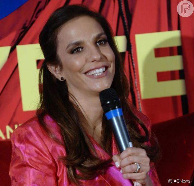 Ivete Sangalo pede para interpretar mãe de Crô em vez de cantora de axé em 'Super Crô - O Filme'; a informação é da colunista Regina Rito do jornal carioca 'O Dia', em 6 de abril de 2013