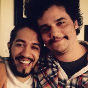 Wagner Moura aparece com quilinhos a mais para viver Pablo Escobar em série