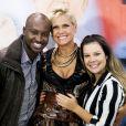 Fernanda Souza escolheu uma blusa listrada preta e branca para a gravação do programa 'TV Xuxa', no especial de 50 anos da apresentadora